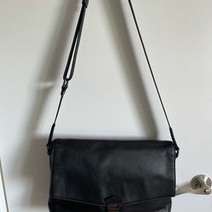 Hugo Boss Black Leather Brief Case/Barely Used